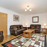 36 Bothwell Rd - High Standard of Decor - Apartments for Rent
